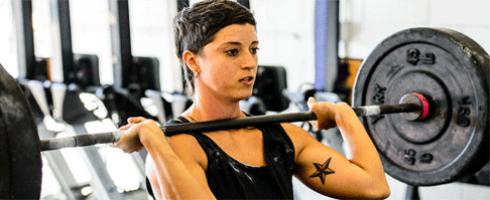 Repetições lentas: o treino de força com pouca carga dá resultados
